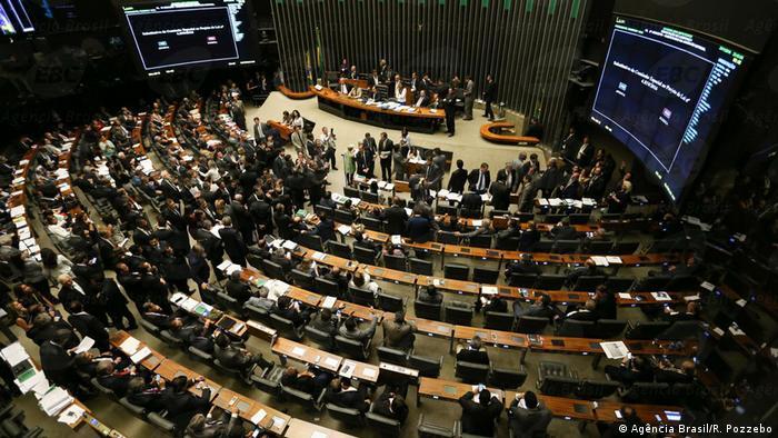 Brasilien Das brasilianische Parlament diskutiert Anti-Korruptionsgesetze