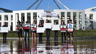 Australien Justice4refugees Protest in Canberra (picture-alliance/dpa/M. Tsikas)