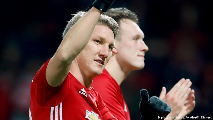 Fussball EFL Cup Manchester United Bastian Schweinsteiger (picture-alliance/PA Wire/M. Rickett)
