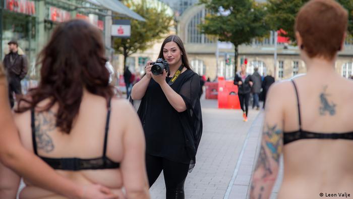 Weiblichkeit und Schönheitsideal BodyLove-Kampagne (Foto: Leon Valje)