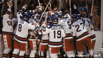 Lake Placid 1980 Eishockey USA Sowjetunion Miracle on Ice (Getty Images/S. Powell )