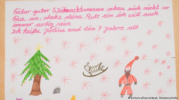 Deutschland Weihnachtspostamt in Himmelsthür (picture-alliance/dpa/J. Stratenschulte)