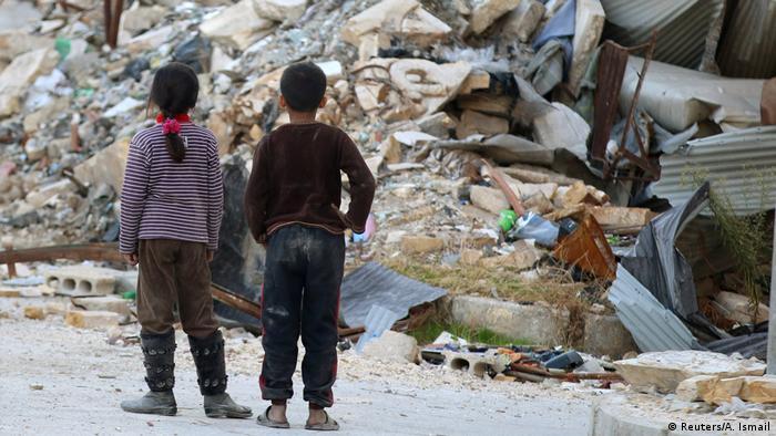 Syrien Aleppo Trümmer Kinder Ruinen (Reuters/A. Ismail)