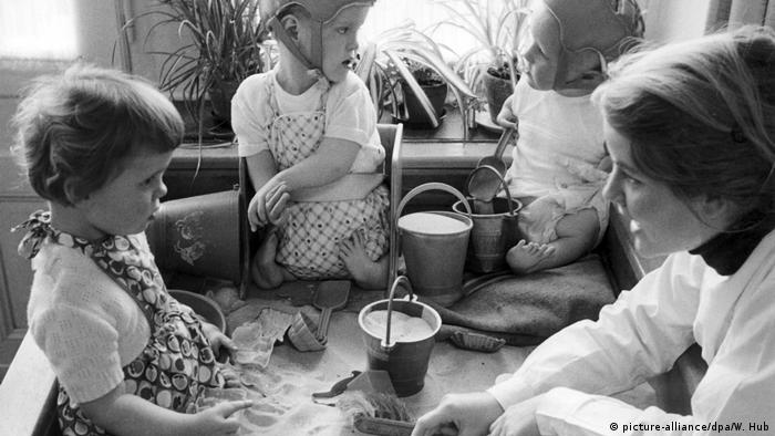 Wirtschaftswunderkinder und ihre Spiele Contergan-Opfer