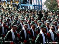 رژه نیروهای پاسدار در تهران؛ عکس از آرشیو (۲۱ سپتامبر ۲۰۰۸)