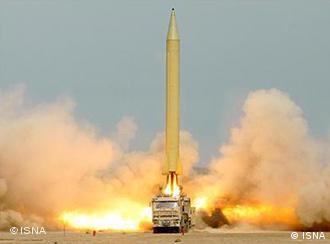 موشک شهاب ۳ – گفته میشود که ساختن کلاهک هستهای برای این موشک، هدف اصلی فعالیتهای اتمی تهران است