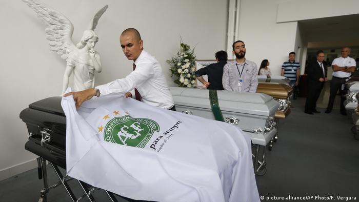 El proceso de repatriación de las 71 víctimas mortales del avión que transportaba a la delegación del club Chapecoense se está realizando de la forma más rápida posible para que los cuerpos puedan ser sepultados. (2.12.2016)