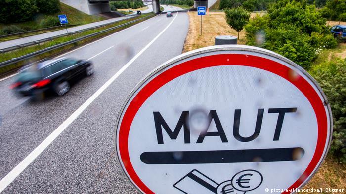 Symbolbild Pkw-Maut in Deutschland (picture-alliance/dpa/J. Büttner)
