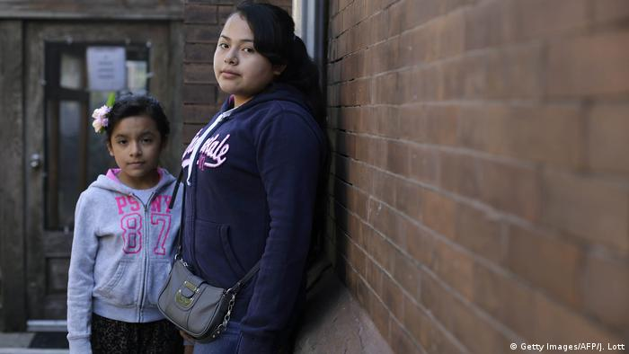Immigranten in den USA - Kinder aus El Salvador (Getty Images/AFP/J. Lott)