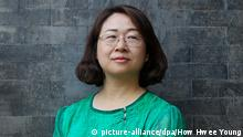 China Wang Qiaoling, Ehefrau des inhaftierten Anwalts Li Heping (picture-alliance/dpa/How Hwee Young)