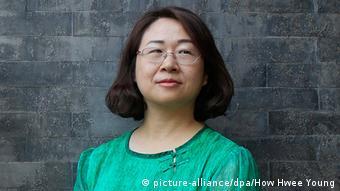 China Wang Qiaoling, Ehefrau des inhaftierten Anwalts Li Heping (picture-alliance/dpa/How Hwee Young)