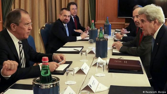 Italien Außenminister Russland & USA Treffen in Rom Sergej Lawrovw & John Kerry (Reuters/G. Borgia)