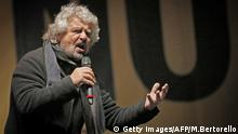 Beppe Grillo Turin Five Star Movement Italien Referendum