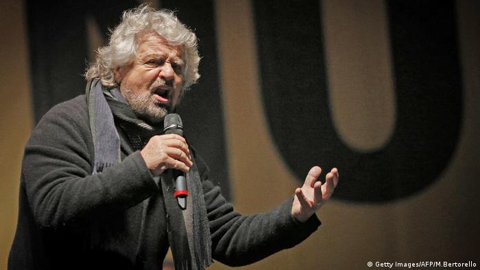 Beppe Grillo Turin Five Star Movement Italien Referendum