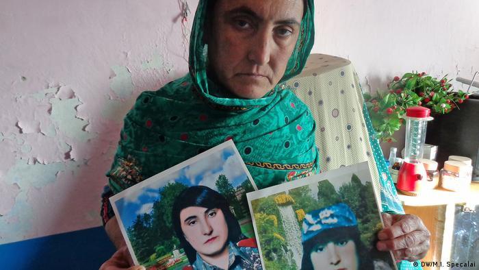 Afghanistan ehemalige Kampfpilotin Sharmila (DW/M.I. Specalai)