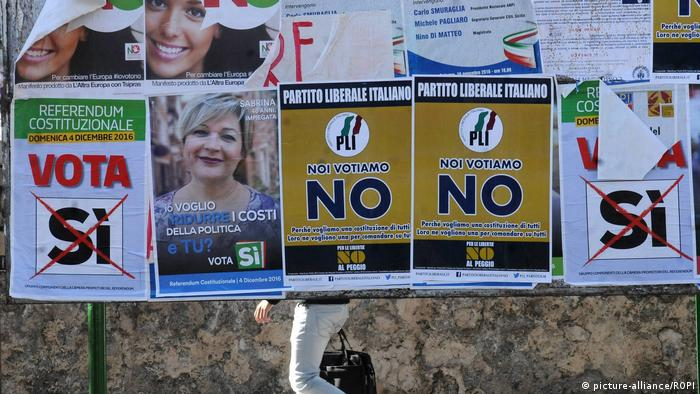 Italien Referendum Plakate (picture-alliance/ROPI)