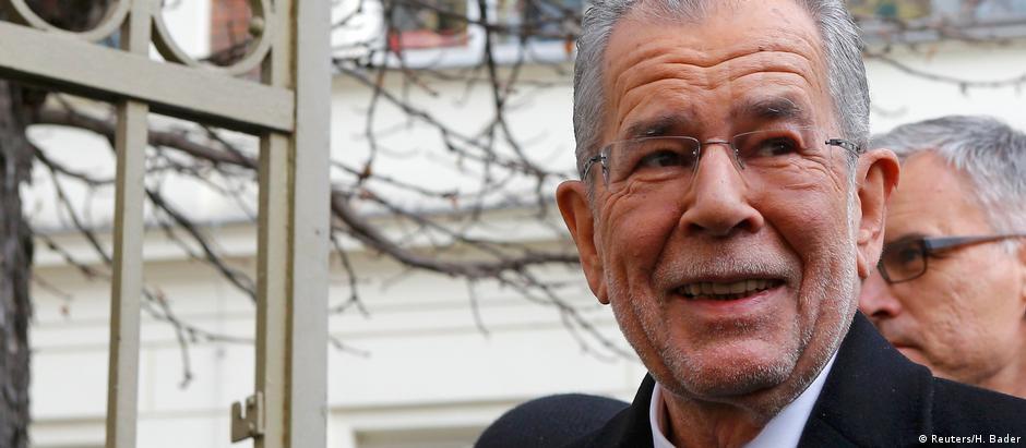 Alexander Van der Bellen disputou eleição como candidato independente
