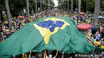 Em Belo Horizonte, protesto na praça da Liberdade reuniu cerca de 8 mil pessoas, segundo organizadores