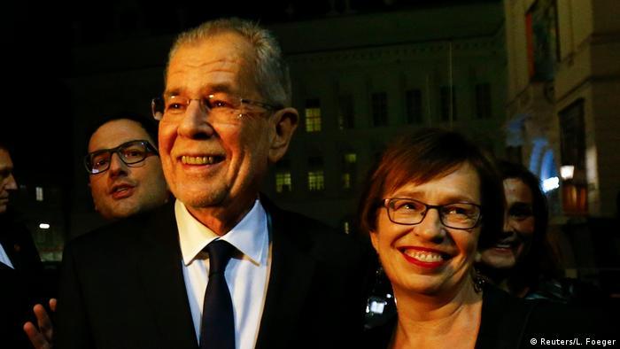 Österreich Präsidentschaftswahlen Alexander Van der Bellen mit Frau (Reuters/L. Foeger)