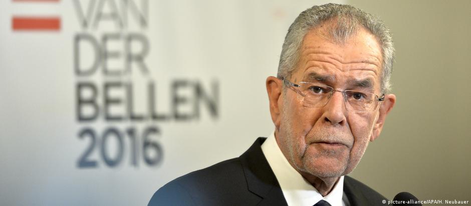 Alexander Van der Bellen foi eleito novo presidente austríaco em segundo turno