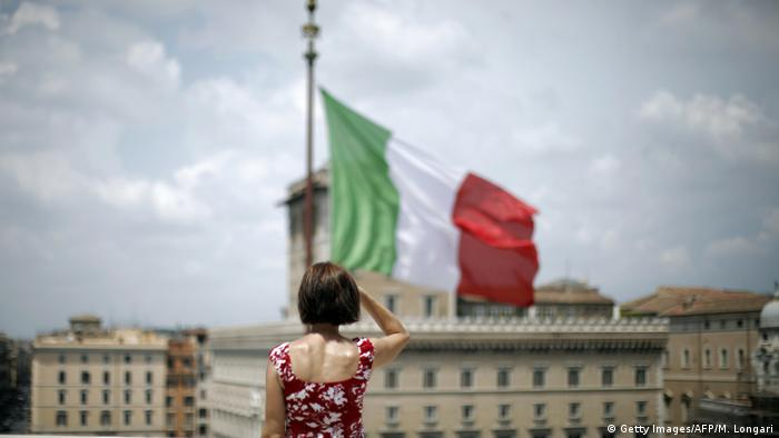 Symbolbild | Italien nach Referendum (Getty Images/AFP/M. Longari)