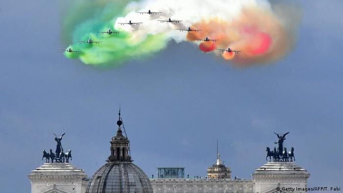 Symbolbild | Italien nach Referendum (Getty Images/AFP/T. Fabi)