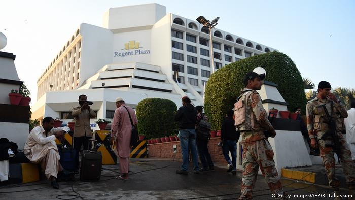 Fire kills 11 in hotel in Pakistan's Karachi