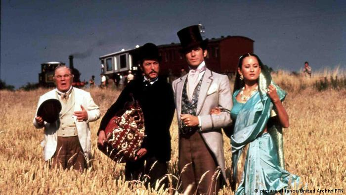Film still Around the World in 80 Days with Pierce Brosnan (picture-alliance/United Archiv/IFTN)