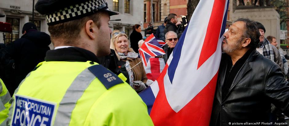 Manifestação sobre o Brexit em frente à Suprema Corte britânica