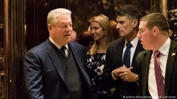 USA Al Gore nach einem Treffen mit Donald Trump (picture-alliance/Zumapress/A. Lohr-Jones)