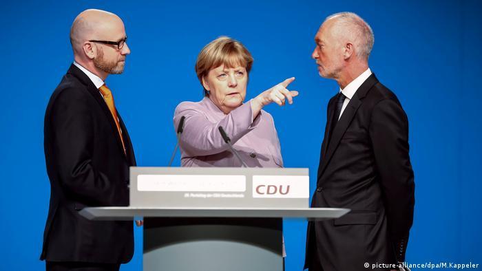 Vorbereitungen - CDU - Bundesparteitag Angela Merkel (picture-alliance/dpa/M.Kappeler)