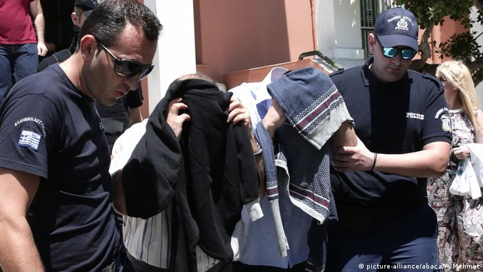 Griechenland Geflohene türkische Soldaten nach Putsch (picture-alliance/abaca/A. Mehmet)