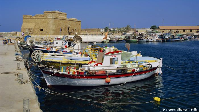 Zypern Paphos Hafen (picture-alliance/J. Mille)