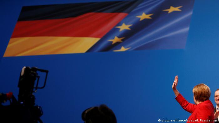 La canciller alemana Angela Merkel clamó con urgencia a su partido cristiano-demócrata (CDU) su respaldo para el difícil año de elecciones en 2017.Merkel fue ratificada así como líder del partido, dos semanas después de haber anunciado que optará a un cuarto mandato como canciller en los comicios previstos para dentro de diez meses. 06.12.2016