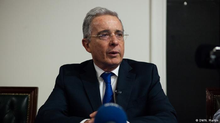 La Corte Suprema de Justicia solicitó determinar si el expresidente Álvaro Uribe debe ser investigado por espionaje durante su Gobierno (2002-2010). La Corte hizo pedido tras condenar a exdirector del servicio secreto. 11.09.2017
