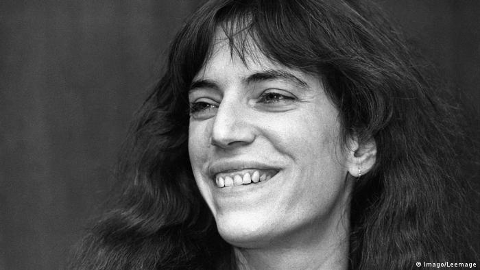 Patti Smith: Poet with a punk heart turns 70 | Music | DW ...