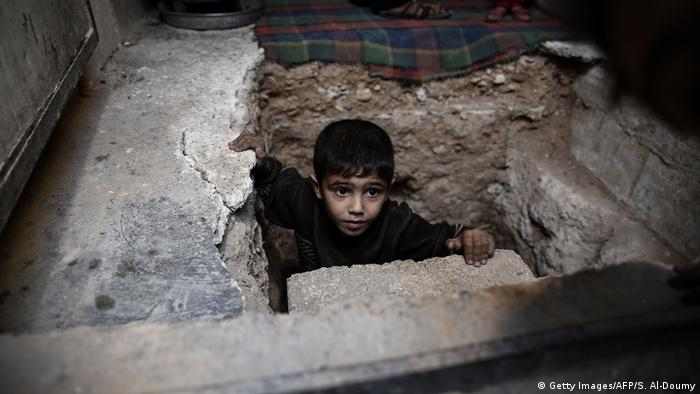 Syrien Kinder Symbolbild (Getty Images/AFP/S. Al-Doumy)
