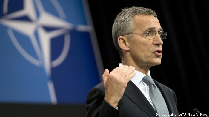 Belgien NATO Ukraine Kommision - Jens Stoltenberg (picture alliance/AP Photo/V. Mayo)