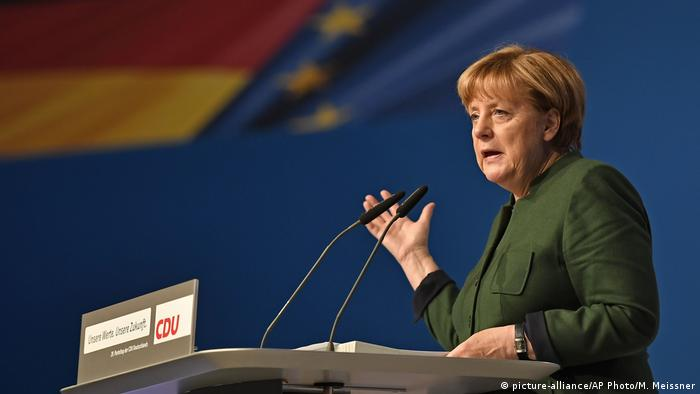 Essen CDU ParteitagRede Merkel (picture-alliance/AP Photo/M. Meissner)