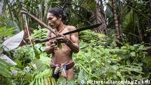 Ilustrasi masyarakat adat di Mentawai