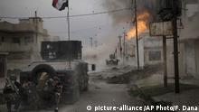 Irak irakische Sonderkommando greifen IS in Mossul an (picture-alliance /AP Photo/F. Dana)