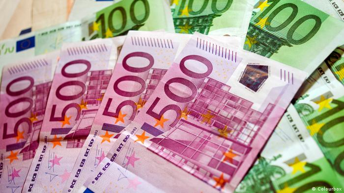 500 and 100 euro notes