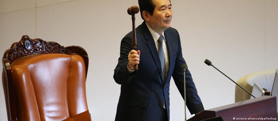 Parlamento sul-coreano vota pelo impeachment da presidente Park Geun-hye