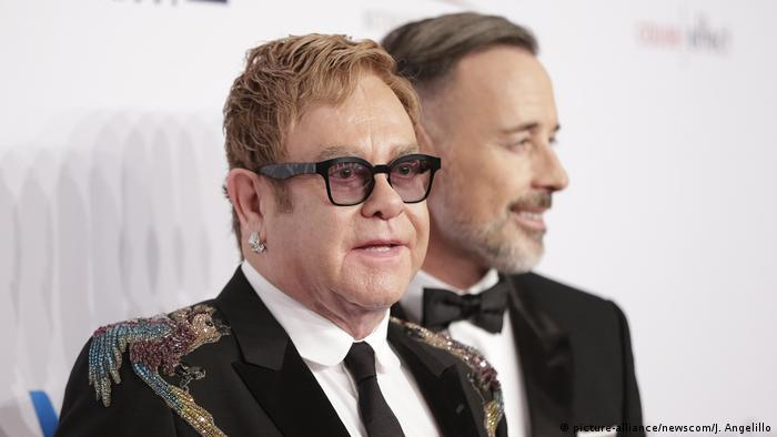 Elton John und David Furnish (picture-alliance/newscom/J. Angelillo)