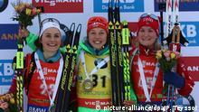 Siegerin Laura Dahlmeier (2.v.r.), Justine Braisaz (l.) und Marte Olsbu (r.)