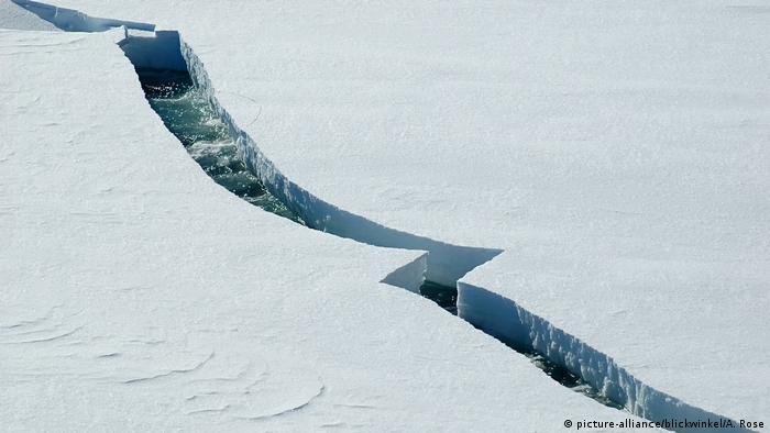 Ice breaking apart in Antarctic