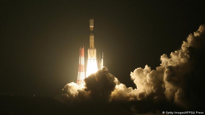 Japan launches 'space junk' collector