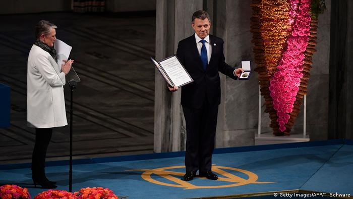 Juan Manuel Santos receives Nobel Peace Prize (Getty Images/AFP/T. Schwarz)