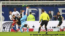Deutschland Fußball Bundesliga Hamburger SV vs. FC Augsburg (Getty Images/Bongarts/M. Rose)
