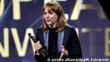 10.12.2016*** German director Maren Ade is honored with the award for the best European Screenwriter during the 29th European Film Awards ceremony in Wroclaw, Poland, 10 December 2016. The awards are presented annually by the European Film Academy to recognize excellence in European cinema. EPA/MACIEJ KULCZYNSKI POLAND OUT +++(c) dpa - Bildfunk+++ |